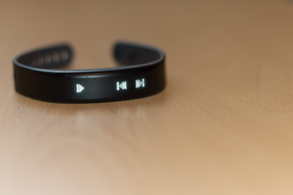 garmin-vivosmart-music
